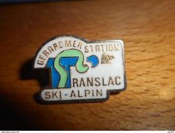 A019 -- Lot De 10 Pin's Neufs Gérardmer Ski - Sports D'hiver