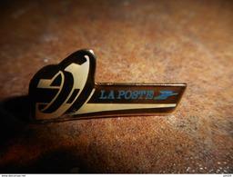 A021 -- Pin's La Poste - Postes