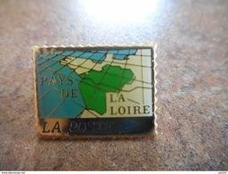 A021 -- Pin's La Poste Pays De La Loire - Postes
