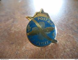 A021 -- Pin's La Poste Post Air - Postes