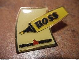 A022 -- Pin's Stabylo Boss Jaune - Markennamen