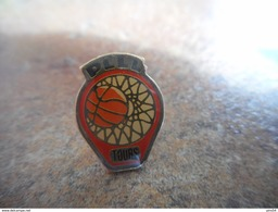 A025 -- Pin's Basket PLLL Tours - Basketball