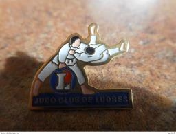 A025 -- Pin's Judo Club De Ludres - Judo