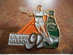 A025 -- Pin's Perrier Roland Garros 92 - Tennis