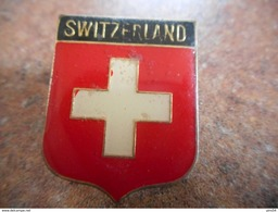 A026 -- Pin's Switzerland Blason - Villes