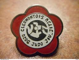 A029 -- Pin's Judo Clermontois - Judo