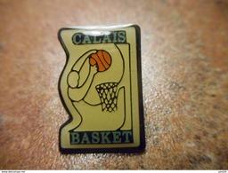 A029 -- Pin's Calais Basket - Pallacanestro