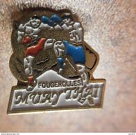 A029 -- Pin's Fougerolles Muay Thai - Boxe