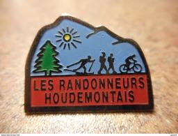 A029 -- Pin's Les Randonneurs Houdemontais - Athletics