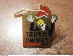 A029 -- Pin's Tremplin Yamaha 92 - Musique