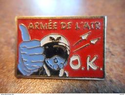 A037 -- Pin's Armee De L'Air OK X 2 Differents - Militaria