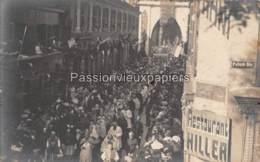 CARTE PHOTO  METZ  1907 RUE AMBROISE THOMAS  PROCESSION EVEQUES (CONGRES EUCHARISTIQUE) - Metz