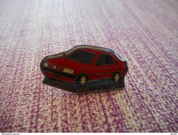 A001 -- Pin's Peugeot Arches - Peugeot