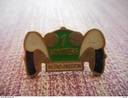 A002 -- Pin's Moutiers Retro Passion -- Exclusif Sur Delcampe - Automobile - F1