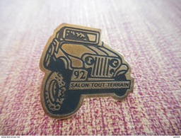 A002 -- Pin's Salon Tout Terrain 92 - Automobile - F1