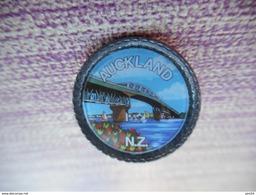 A003 -- Pin's Auckland NZ -- Exclusif Sur Delcampe - Villes