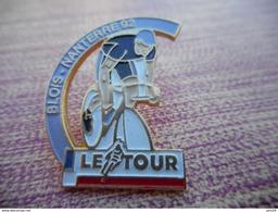 A003 -- Pin's Le Tour Blois - Nanterre 92 - Cyclisme