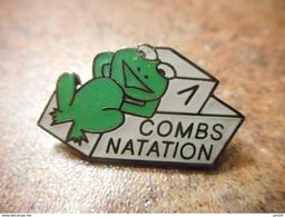 A032 -- Pin's Combs Natation -- Dernier Vendu 12/2015 - Natation