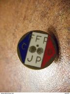 A032 -- Pin's FFPJP CD - Pétanque