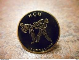 A032 -- Pin's KCB Vandoeuvre - Judo