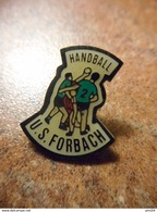 A032 -- Pin's US Forbach Handball -- Exclusif Sur Delcampe - Balonmano