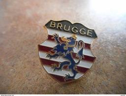 A038 -- Pin's Blason / Ecusson Brugge - Villes