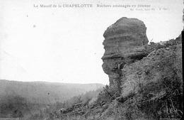 Massif De La Chapelotte, Rochers Aménagés En Défense - France