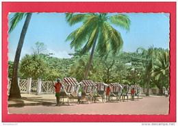 CPA (Réf : U 369) TAMATAVE (AFRIQUE MADAGASCAR ) Vue Du Boulevard Ratsimilaho (animée, Pousse-pousse - Madagascar