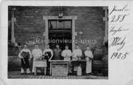 CARTE PHOTO  METZ   1905  4. BAYER. INFANTERIE REGIMENT  PERSONNEL DE LA CANTINE ET MENU DU JOUR ? - Metz