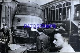118930 AUTOMOBILE OLD BUS COLECTIVO & TRANVIA TRAMWAY ACCIDENTE YEAR 1959 PHOTO NO POSTAL POSTCARD - Non Classificati