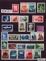 BULGARIA \ BULGARIE - 1957 - Anne Complete ** - Yv. 883/908 + PA 73 - Années Complètes