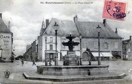 -18 - CHER - HENRICHEMONT - La Place Henri IV - Henrichemont