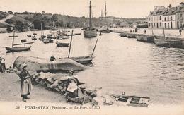 29 Pont Aven Le Port Cpa Carte Animée Femme Enfant Costume Breton Bateau - Pont Aven