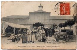 Ste-hermine-les Halles Un Jour De Marché - France