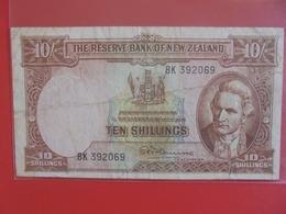 NOUVELLE-ZELANDE 10 SHILLINGS 1940-67 CIRCULER (B.6) - Nieuw-Zeeland