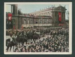 WW II Zigaretten Sammelbild 6,2 X 4,8 Cm , Kampf Um Das Dritte Reich Nr. 201 : Die Reichswehr Marschiert Durch Potsdam - Sammelbilderalben & Katalogue