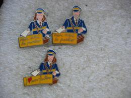 3 Pin's Sur Les Facteurs De La Poste - Postes
