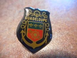 A038 -- Pin's Blason Guadeloupe - Villes