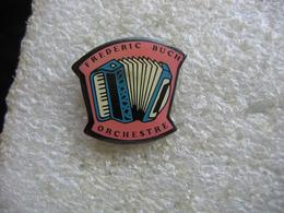 Pin's De L'Orchestre Frederic BUCH, Accordéon - Musique