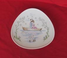 Assiette Ancienne -1950-porcelaine Allemande Rosenthal Les Amoureux De Peynet - Rosenthal (DEU)
