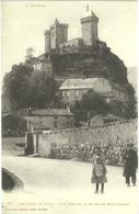 CPA DE FOIX  (ARIEGE)  LES TOURS DE FOIX. VUE PRISE DE LA ROUTE DE SAINT-GIRONS - Foix