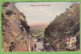CPA MALVERN The Wyche Pass !!! ETAT Dos !!! - Altri