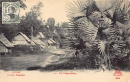 Laos - A Laotian Village - Publ. Raquez Decoly 51/245. - Laos