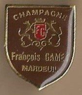 Pin's Champagne François Gamet 12 Rue Pasteur (51) Mardeuil Armoiries - Boissons