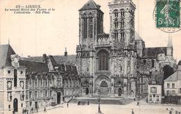 C P A 14 Lisieux Calvados NORMANDIE LA CATHEDRALE ET LE NOUVEL HOTEL DES POSTES   CIRCULEE - Lisieux
