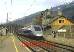 CPM - Gare De Landry (73) - Un TGV 2N Duplex Bourg-St-Maurice - Paris-Lyon  - Photo R. GIBIAT - - Stazioni Con Treni
