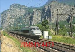 """CPM - Le TGV. R. Rame 4502, """" Alessandro Manzoni """" Paris-Lyon - Milano-Centrale - Pontarmafrey (73) - Photo R. GIBIAT - Treni"""