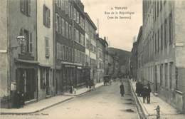 69 - TARARE -  RUE DE LA REPUBLIQUE - VUE DU SERROUX - Tarare