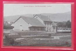 66 Bourg-Madame La Gare Train Jaune 1910 ? Animée édit MTIL J.Fau Ligne Villefranche-Bourg-madame Ferrocarril - Autres Communes