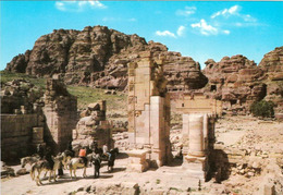 1 AK Jordanien Jordan * Triumphbogen Im Antiken Petra - Seit 1985 UNESCO Weltkulturerbe * - Jordanien